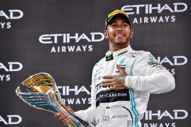 """""""แฮมิลตัน"""" คว้าแชมป์ศึกรถสูตรหนึ่งชิงแชมป์โลก อาบูดาบี กรังด์ปรีซ์ ปิดฉากเอฟวัน 2019"""