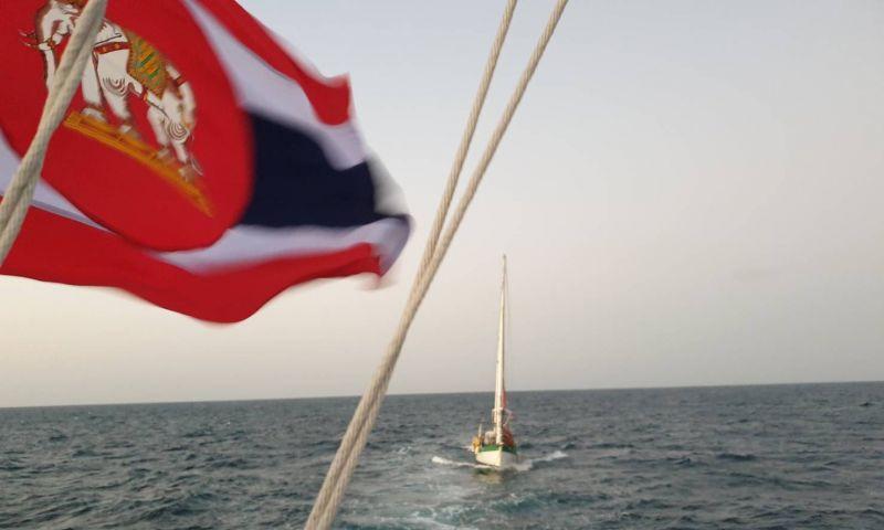 ทรภ.3 ช่วยเหลือเรือใบสัญชาติอังกฤษเครื่องยนต์ขัดข้อง ลอยลำกลางทะเล 3 วัน